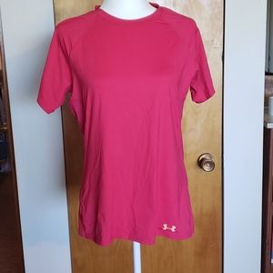 UNDER ARMOUR - SEMI FITTED - HEAT GEAR - SIZE M